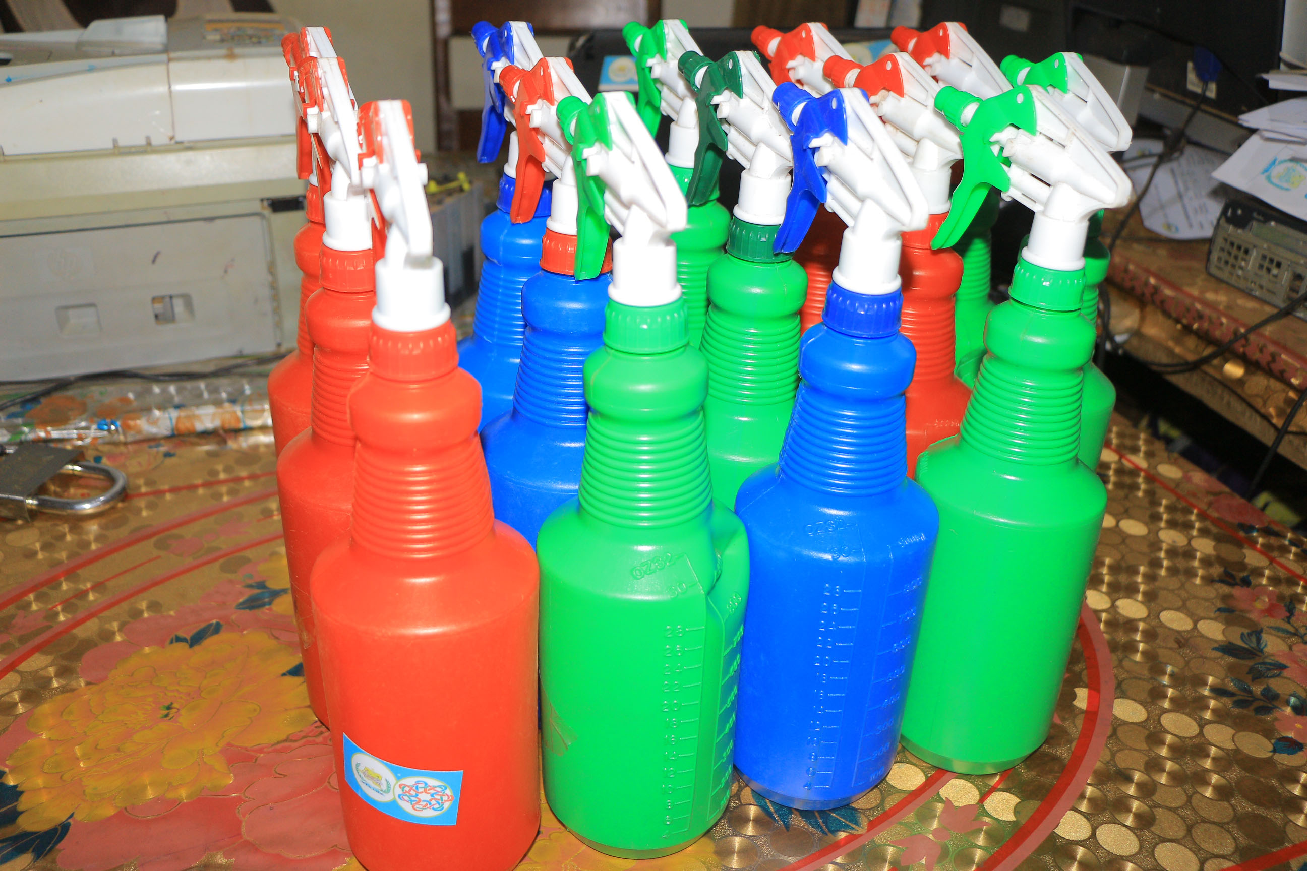 We have shared twenty disinfection pulveritors to 20 motorists who have been victims of stolen of their pulverisators, they were very happy